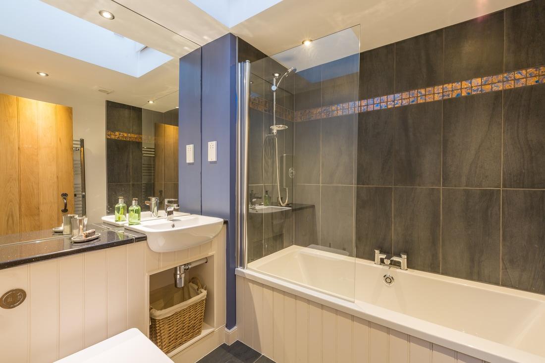 100 bathroom tiles edinburgh bathrooms edinburgh for Bathroom designs edinburgh